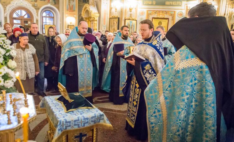В Михайловский собор доставили частицу мощей блж. Матроны Московской