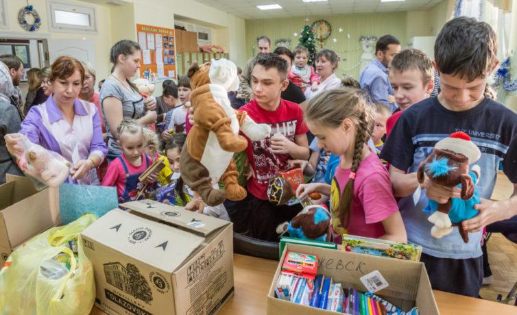 Подарки, собранные прихожанами Михайловского собора, переданы подопечным социальных учреждений