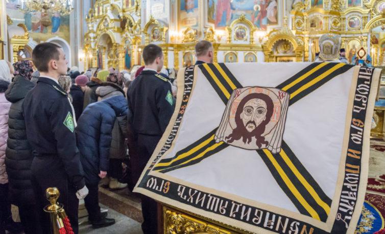 Копия знамени Ижевской дивизии была выставлена в Михайловском соборе
