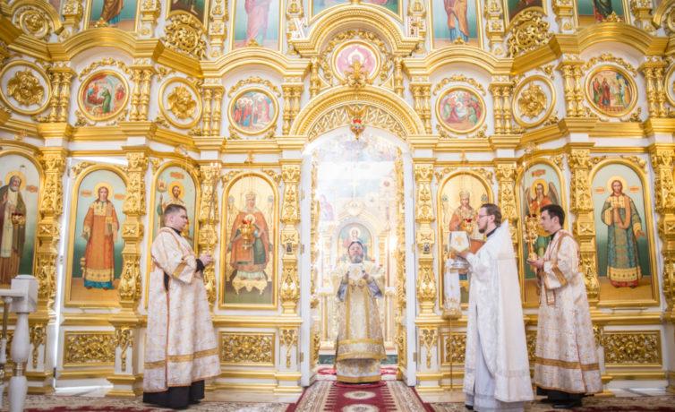 В день памяти свв. Кирилла и Мефодия митр. Викторин совершил литургию в соборе