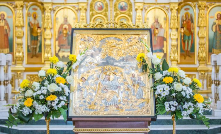 В день памяти прор. Илии митр. Викторин помолился в кафедральном соборе