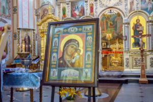 Митрополит Викторин освятил Казанскую икону Божией Матери для храма в селе Старые Зятцы